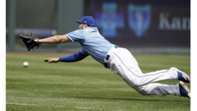 Royals drop rubber match to Red Sox