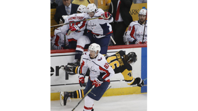 Capitals even series with Penguins at 1 game apiece
