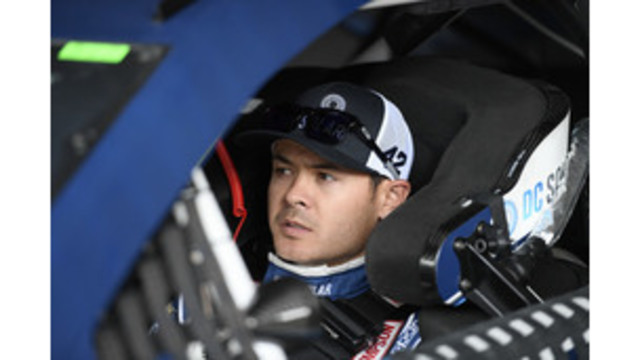 Larson wins 5th career pole, Harvick also up front