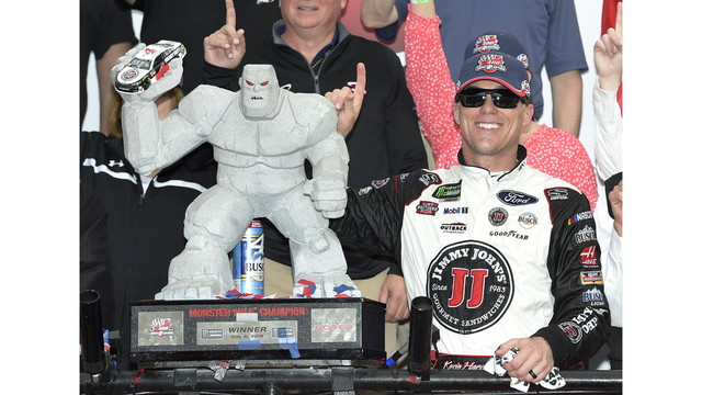 Kevin Harvick dominates Dover as teammate Clint Bowyer second
