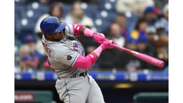 Mets outfielder (hip) placed on DL