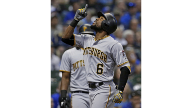 Pittsburgh Pirates Plunder Chicago White Sox in Series Opener
