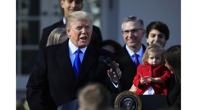 Trump to deny funds to clinics that refer for abortion