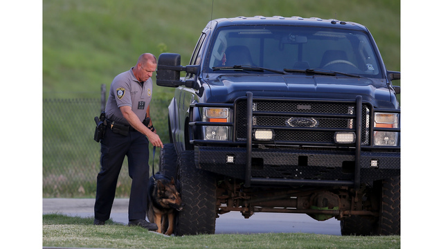 Civilians shoot, kill gunman who opened fire at Oklahoma City restaurant