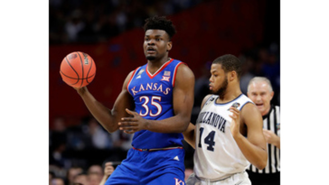 Udoka Azubuike: Kansas forward withdraws from NBA draft