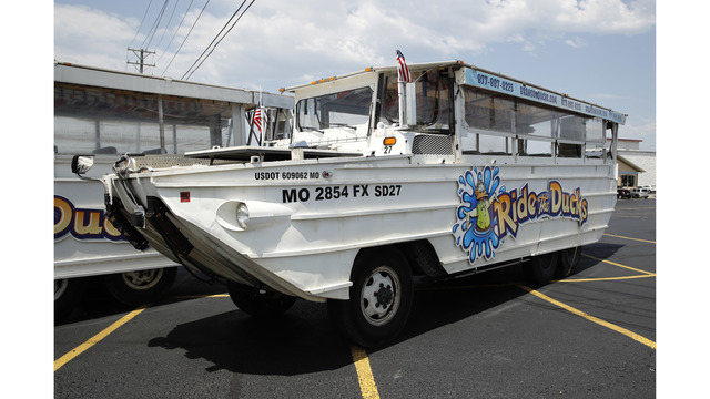 Man who Helped Rescue Duck Boat Victims Sues Ride the Ducks