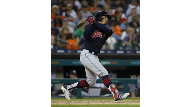 5f1255fc09b0 Lindor's 2 HRs lift Indians over Tigers