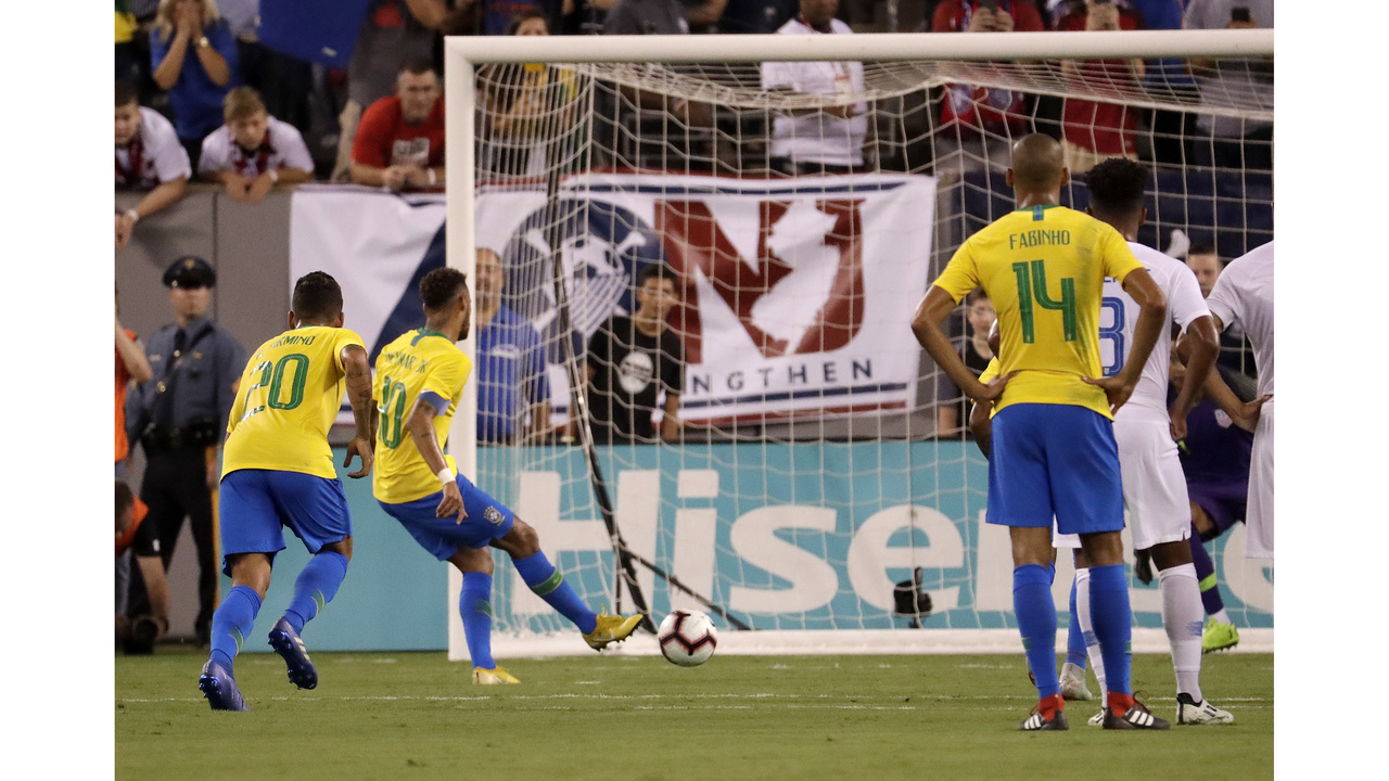 Neymer, Firmino lead Brazil over US 2-0 in exhibition