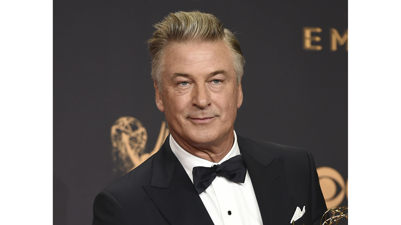 Communication on this topic: American Airlines Gives Alec Baldwin the Boot, american-airlines-gives-alec-baldwin-the-boot/