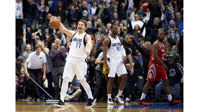 cba0a103204 Doncic scores 11 straight