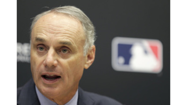 MLB payrolls drop for 1st time since '10