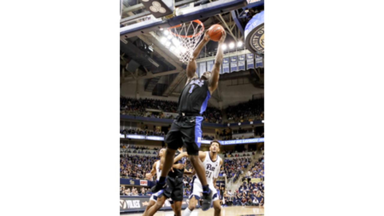 9dad8b06aed Williamson stars as No. 2 Duke tops Pitt - YOURBIGSKY