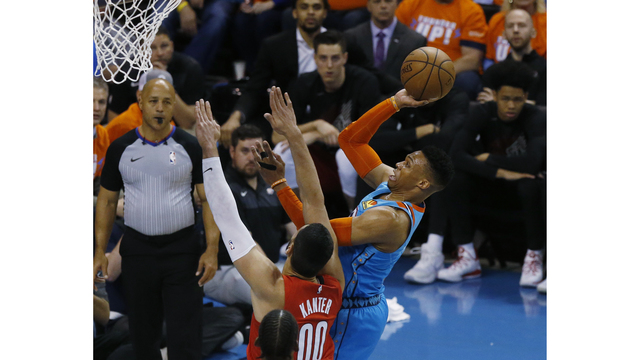 Trail_Blazers_Thunder_Basketball_65311.jpg92940056