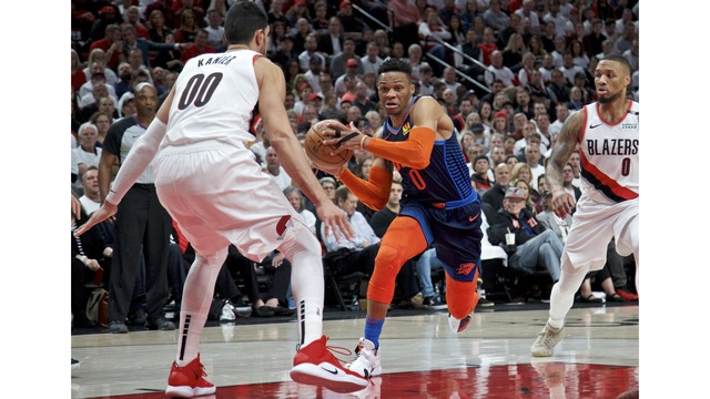 Thunder_Trail_Blazers_Basketball_55883.jpg95365126