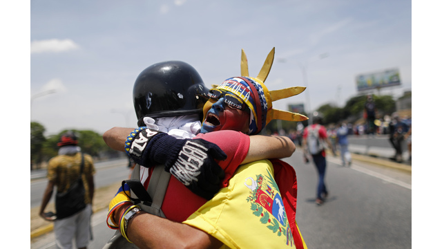 Venezuela awaits more protests after a day of turmoil