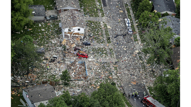 House explosion kills 1, injures 2 in southern Indiana city