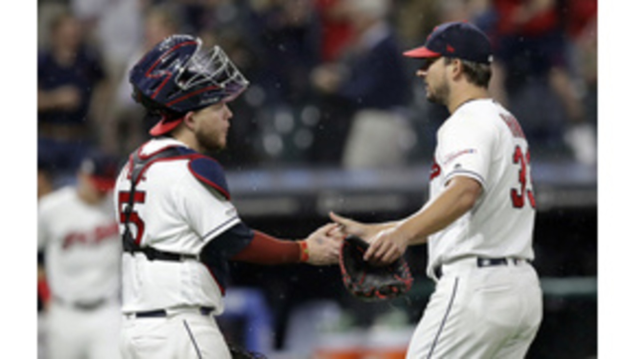 a1bce3d66c05 Lindor hits 2 of Cleveland's 4 homers in 5-2 win over Twins ...